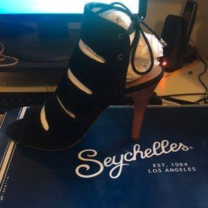New Seychelles women's suede heel sz 7